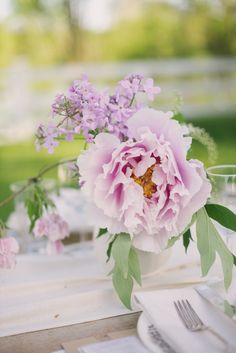 Pretty peonies: http://www.stylemepretty.com/living/2015/06/01/alfresco-spring-dinner-cooking-with-flowers/ | Photography: Sweet Root Village - http://sweetrootvillage.com/
