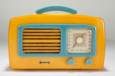 "Catalin 1941 Sonora KM ""Coronet"" in butterscotch with pastel blue in a seldom seen color combination for this model Art Deco radio."