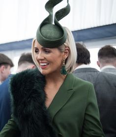 Love this soaring shape Race Day Outfits, Races Outfit, Outfits With Hats, Ascot Style, Race Day Hats, Philip Treacy Hats, Wedding Hats, Hats For Weddings, Fascinator Hats