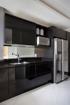 Dark Kitchen Ideas: Stunning Designs for Contemporary Home Kitchen Room Design, Best Kitchen Designs, Modern Kitchen Design, Home Decor Kitchen, Interior Design Kitchen, Kitchen Ideas, Black Kitchens, Luxury Kitchens, Home Kitchens