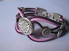 Leather bracelets   braçalets/ pulseras de cuir/cuero
