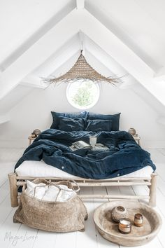 As nature begins to change its colors - so do we 🍂 Navy Blue linen bedding is here to evoke feelings of coziness and warmth in your home. Navy Blue Bedding, Navy Duvet, Linen Duvet, Bed Linen Design, Bed Linen Sets, Duvet Cover Sets, Bedding Sets, Girl Bedding, Shabby