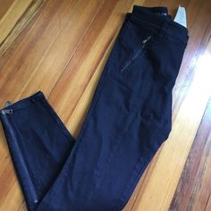 NWT Ann Taylor moto skinny jeans NWT Ann Taylor dark wash skinny moto jeans with zip side pockets and zippers at the ankles. These jeans are ridiculously awesome! Size 6. Smoke-free home! Ann Taylor Jeans Skinny