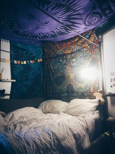 like the blankets on the wall and ceiling idea, cozy:)