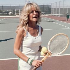 """Classy Golden Era on Instagram: """"The Charlie's Angel, Farrah Fawcett, enjoying some tennis."""" Tennis Match, Play Tennis, All American Boy, Drop Shot, Tennis Elbow, Tennis Clothes, Tennis Outfits, Farrah Fawcett, Summer Is Coming"""