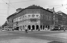 Üllői út a Nagykörútnál. Hej, ha az a ház beszélni még az Un. Old Pictures, Old Photos, Budapest Hungary, Good Old, Historical Photos, Tao, Louvre, Street View, History
