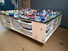Lego Table Ikea, Lego Desk, Boys Lego Bedroom, Boy Bedrooms, Lego Room Decor, Lego Kai, Geek Furniture, Furniture Ideas, Little Boys Rooms