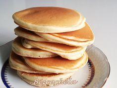 Pancakes o Hotcakes Medio vaso de leche 1 huevo una cda de azúcar 100 gr de harina medio sobre de levadura una cda de aceite de girasol una pizca de sal