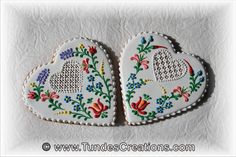 Hungarian folk art flower cookies by Tunde Dugantsi