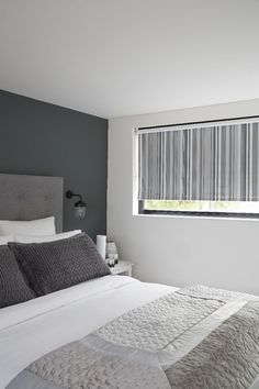 Astonishing Cool Ideas: Blinds For Windows Boho dark blinds home.Blinds For Windows Boho living room blinds wood trim.Ikea Blinds And Curtains. Exterior Blinds, Patio Blinds, Diy Blinds, Bamboo Blinds, Fabric Blinds, Wood Blinds, Curtains With Blinds, Blinds Ideas, Outdoor Blinds