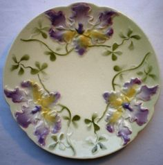 RARE-Old-French-Majolica-plate-signed-SARREGUEMINES-3-violet-Orchids