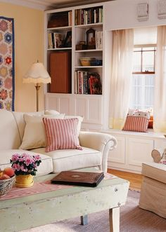 love this country cottage living room Cottage Living, My Living Room, Home And Living, Living Room Decor, Country Living, Small Living, Cottage Style, Country Homes, Living Area