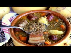 Lentils with chorizo, the easiest and most flavorful in the world CHECK IT OUT! Chilean Recipes, Cuban Recipes, Portuguese Recipes, Dinner Recipes, Spanish Recipes, Chorizo, Banana Colada, Stuffed Sweet Peppers, Easy Cooking