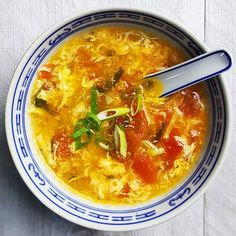 Chinese tomatensoep met ei - Powered by Soup Recipes, Curry, Ethnic Recipes, Food, Curries, Meals, Yemek, Eten