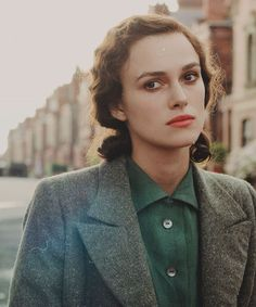 """Keira in """"Atonement"""" Elizabeth Swann, Atonement, A Star Is Born, English Actresses, Keira Knightley, English Roses, Every Girl, Vintage Fashion, Vintage Style"""