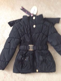 girls black outerwear jacket Black Girls, Outerwear Jackets, Winter Jackets, Stylish, Sleeves, Fashion, Winter Coats, Moda, Winter Vest Outfits
