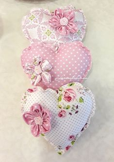 Cross Stitch Christmas Ornaments, Christmas Crafts, Handmade Crafts, Diy Crafts, S Love Images, Fabric Hearts, Sewing Pillows, Valentine Crafts, Artisanal