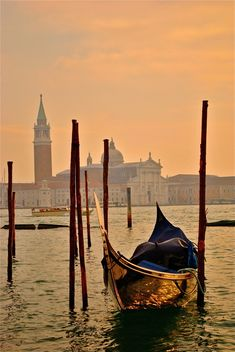 Venice – Warm golden peach mornings