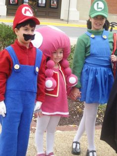 NINTENDO DS Characters Mario, Luigi and Toadette