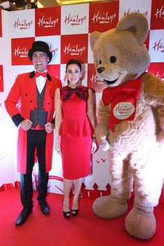 (L-R) Karisma Kapoor along with Hamleys bear at the opening of Hamleys first store in New Delhi on Saturday 2nd February, 2013. Hamleys is the finest toy store in the world. This store is one of largest toy store in the country with 50,000 toys spread over 20,000 sq. ft..