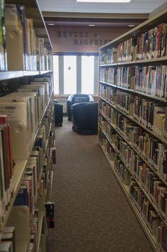 Images de la bibliothèque publique de Saint-François.