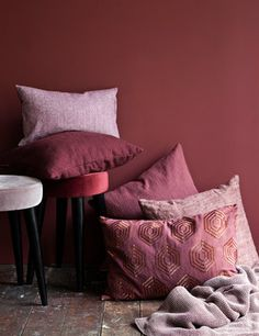 Sneak peek Autumn & Winter We love Bordeaux both as color and wine 😉 Have a lovely Week everyone! Red Interiors, Colorful Interiors, Cozy Living, Home And Living, Dark Lounge, Bedroom Wall Colors, Knitted Throws, Cozy Bedroom, Apartment Living