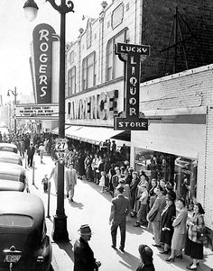Marilyn Monroe and Clark Gable were falling in love on screen shortly before both died in real life the night black Chattanoogans entered the white section of the Rogers Theater to protest segregation and demand civil rights due every American. Downtown Chattanooga, Nashville Trip, Chattanooga Tennessee, Lookout Mountain, Historical Photos, Black History, Old Photos, City, Places