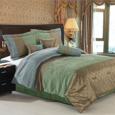 Royal Hotel Grace Sage & Beige Queen Size Luxury Micro Suede Comforter Set Including Comforter, Skirt, Throw Pillows and Pillow Shams Modern Comforter Sets, Queen Size Comforter Sets, Luxury Comforter Sets, King Size Comforters, Bed Comforter Sets, Dorm Bedding, Duvet, Gold Comforter, Green Comforter
