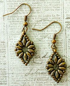 Linda's Crafty Inspirations: SuperDuo Flower Chain Earrings Variation