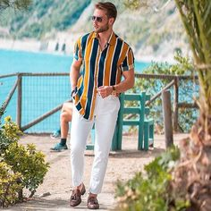 Chill outfit at the coast line in Manarola, Cinque Terre 🇮🇹 A bit different from my other looks, what do you guys think? Trendy Mens Fashion, Stylish Mens Outfits, Fashion Men, Style Fashion, Summer Outfits Men, Chill Outfits, Men Looks, Formal Men Outfit, Men With Street Style