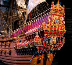 The Swedish warship Vasa sank on its maiden voyage in 1628 and was salvaged in 1961.Now on display in the Vasa Museum in Stockholm, the stern is painted in what are believed to have been the original colours.