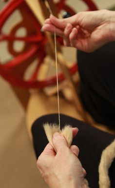 Do you want to learn how to spin? Or maybe you're looking to brush up on the basics of spinning? This video tutorial featuring Sarah Anderson will help anyone learn the secrets of spinning success!