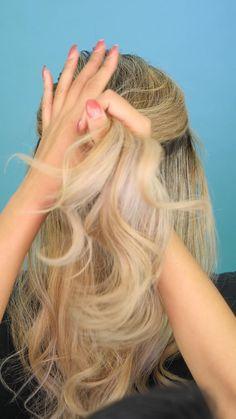 Recogido casual en 3 pasos Do you need a cute but not so simple hairstyle? Easy Short Haircuts, Short Hair Styles Easy, Short Hair Cuts, Cute Hairstyles Updos, Black Girl Braided Hairstyles, Hairstyles Videos, Brown Blonde Hair, Grunge Hair, Hair Videos