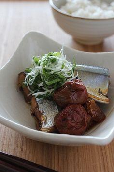 梅干しが魚の風味を引き立て、しみじみとしたおいしさに。白髪ねぎと紫蘇の薬味をのせると、晩酌のお伴にもぴったりです! http://www.recipe-blog.jp/profile/13076/blog/13775486