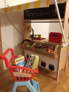 Ikea hack: how to make your children& kitchen DUCTY .- Ikea-Hack: So machst du aus deiner Kinderküche DUKTIG einen Kaufladen Ikea Kids Kitchen, Diy Kitchen, Kitchen Shop, Kitchen Racks, Ikea Hack Kids, Childrens Kitchens, Floating Shelves Diy, Ikea Furniture, Diy Projects To Try