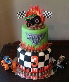 Monster Jam cake #monsterjam #monsterjamcake #littleboy #boyscake #truckcake #birthdaycake #yummydelicious #jennaroushcakes