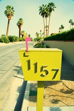 In true Palm Springs style - retro mailbox Style Palm Springs, Graffiti, California Dreamin', Sweet Style, Mellow Yellow, Looks Cool, Color Inspiration, Travel Inspiration, Bunt