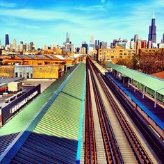 @rumala has one of my absolute favorites in the #instagram312 collection. Taken from the Ashland CTA station (Green/Pink lines). The color, sky and light are just perfect.
