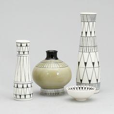 Brita Heilimo, Arabia. Swedish Style, Scandinavian Design, Vintage Kitchenware, Vintage Ceramic, Vases Decor, Art Decor, Art Periods, Black And White Painting, China Painting