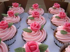 18th Birthday Rosebud Cupcakes