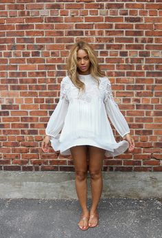 love beyonce's outfit and chanel sandals!