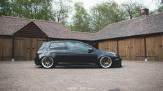 VW golf mk7 R - slammed low air ride stance black