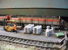 N Scale Layouts, Warhammer Terrain, N Scale Trains, Miniature Cars, Hobby Trains, Real Model, Model Train Layouts, Train Set, Ho Scale