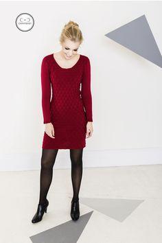 Kleider - TILDA Strickkleid rot mit Triangelmuster - ein Designerstück von GARNFREIHEIT bei DaWanda
