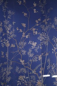 De Gournay wallpaper. I would love to see this as a background to a white bookcase wall. (TSP5)