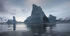 Plataforma de gelo da Antártica se desintegra com rapidez, aponta Nasa
