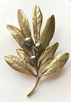 MMA Gold Leaf Olive Branch Tahitian Pearl Brooch Pin Metropolitan Museum of Art Women's Brooches, Vintage Brooches, Pearl Brooch, Brooch Pin, Olive Wreath, Laurel Leaves, Painted Leaves, Tahitian Pearls, Metal Flowers
