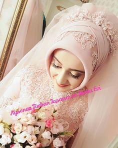 Tesettür GelinbaşıGelinlik ( … – Best Of Likes Share Muslim Wedding Gown, Muslimah Wedding Dress, Wedding Dressses, Hijab Bride, Muslim Brides, Wedding Hijab, Pakistani Wedding Dresses, Bridal Wedding Dresses, Turban Hijab