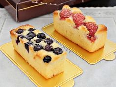 Fruity Butter Cake Anncoo Journal is part of Fruit pastries - Baking Recipes, Cake Recipes, Dessert Recipes, Baking Pan, Mantecaditos, Dessert Aux Fruits, New Cake, Cake Bars, Pastry Cake