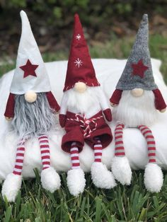 ✔ 24 favorite ideas of the perfect craft christmas gnome ornaments 51 Christmas Decorations Diy Crafts, Cat Christmas Ornaments, Gnome Ornaments, Scandinavian Christmas, Felt Christmas, Holiday Crafts, Christmas Holidays, Scandinavian Gnomes, Christmas Knomes